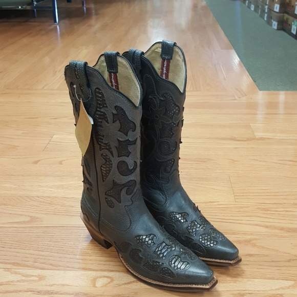 0fb485a3d35 Ladies Twisted X cowgirl boots Boutique